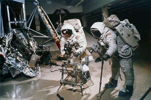 Manned Space Flight, USA, Apollo 12 Apollo 12 astronauts in training, 1969