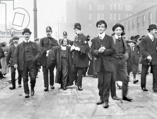 United Kingdom : Manchester Police Arresting A Suffragette - c1905