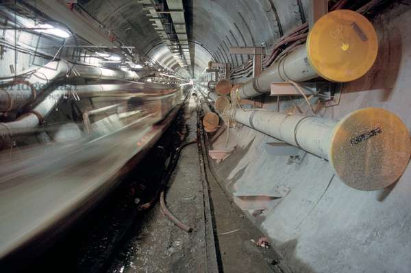 Construction of the Channel Tunnel, 1992 (photo)