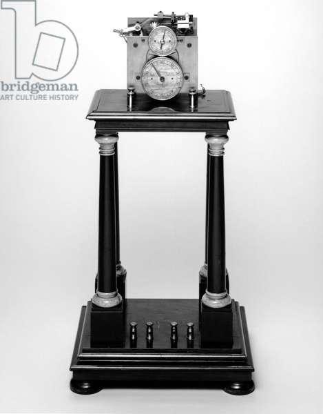 Chronoscopes Hipp chronoscope with key and weight, Swiss, 1893-1900