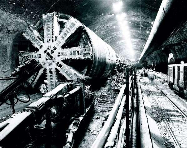 Boring machine, Channel Tunnel, September 1990 (b/w photo)