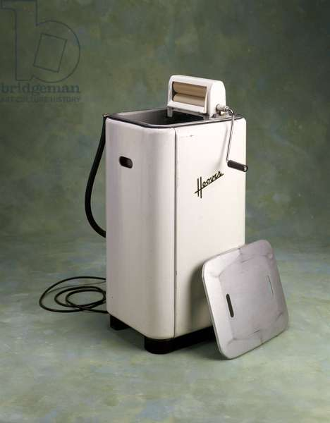 Hoover washing machine with wringer, 1948