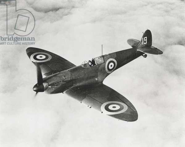 Vickers-Supermarine MK I Spitfire No K9795, 1939 (b/w photo)