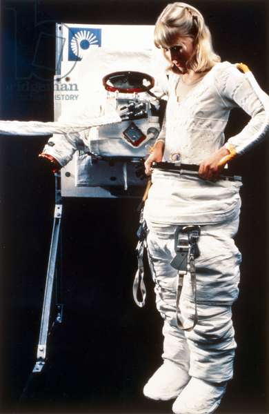 Manned Space Flight, USA, Shuttle Donning a Space Shuttle spacesuit, 1983