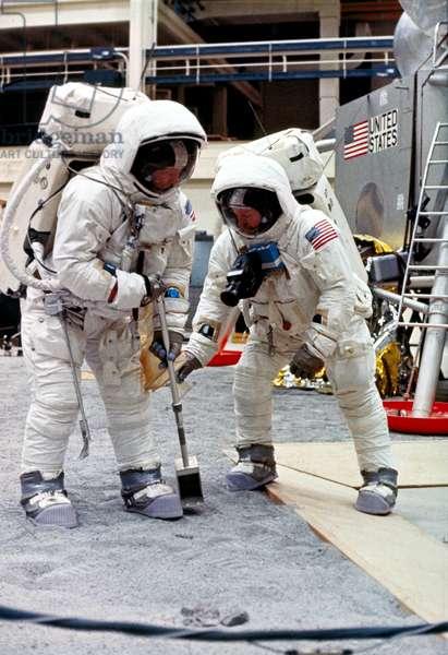 Manned Space Flight, USA, Apollo 11 Apollo 11 astronauts Neil Armstrong and Edwin ÔBuzzÕ Aldrin, 1969