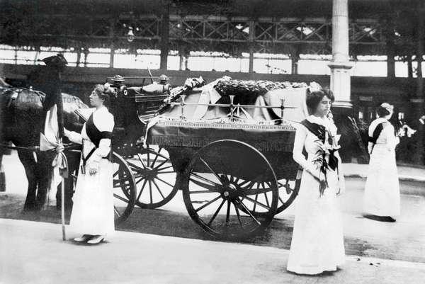 United Kingdom : The Funeral Of Suffragette Emily Davidson At Victoria Station, London - June 1, 1913