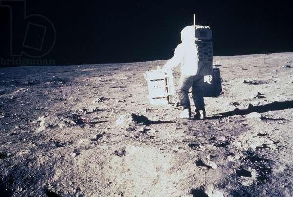 Manned Space Flight, USA, Apollo 11 Apollo 11 astronaut Edwin ÔBuzzÕ Aldrin, on the Moon, 1969