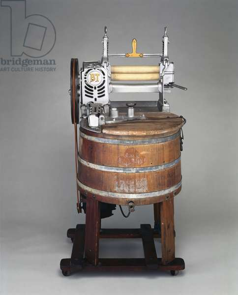 Wooden electrically-driven domestic washing machine, c 1920