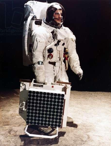 Manned Space Flight, USA, Apollo, General The Apollo Laser Ranging Retro-Reflector, 1969