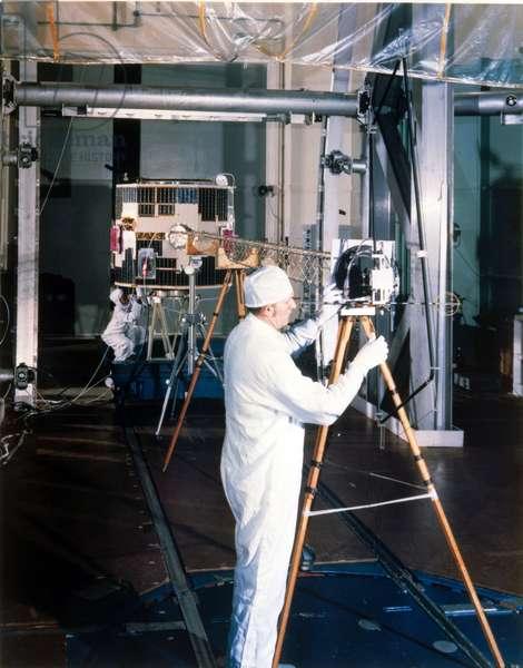 Satellites, Scientific, USA Dynamics Explorer 1 satellite (DME-1), 1981