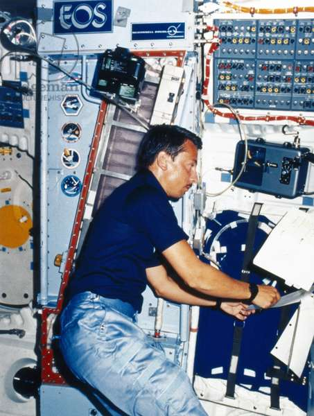 Manned Space Flight, USA, Shuttle Experiment aboard the Space Shuttle, 1984