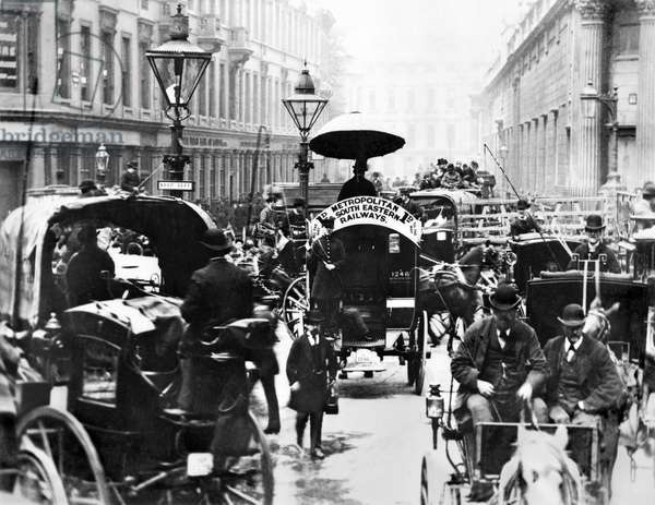 United Kingdom : A Busy Scene at the Bank Showing The Metropolitan and South Eastern Railways Bus. London, c1878