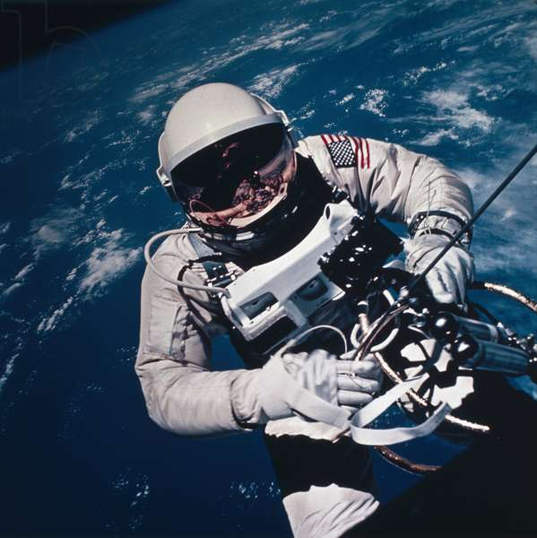 Manned Space Flight, USA, Mercury/Gemini Astronaut Ed White spacewalking, 1965