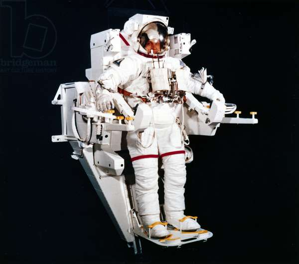 Manned Space Flight, USA, Shuttle The Space Shuttle's Manned Manoeuvring Unit (MMU), 1983