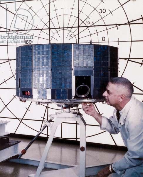 Satellites, Weather, USA The TIROS meteorological satellite, 1961