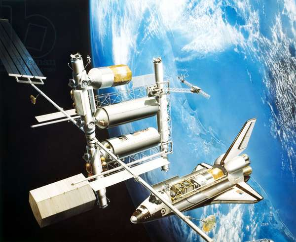 Manned Space Flight, USA, Space Station ArtistÕs impression of Space Shuttle visiting a Space Station, 1981