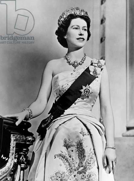 Queen Elizabeth Ii, 1961 (b/w photo)