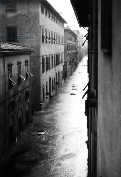 Flood, Florence, Tuscany, Italy, 1966 (b/w photo)