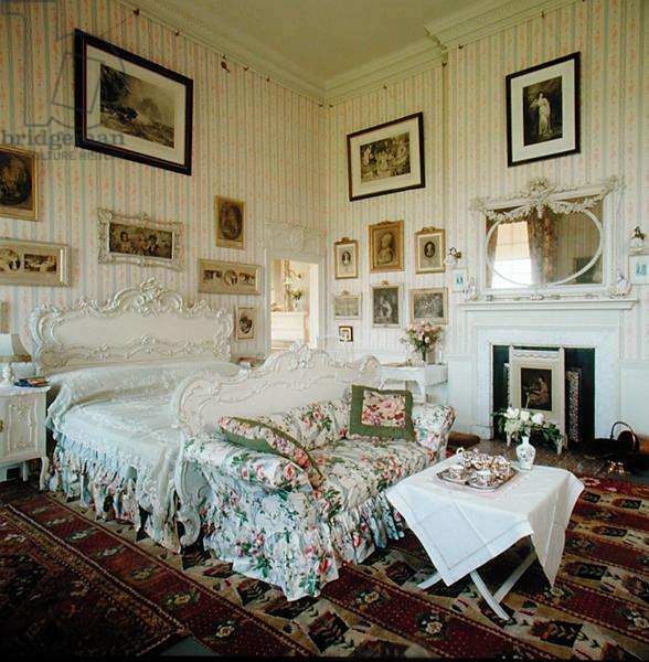 View of the White Bedroom (photo)
