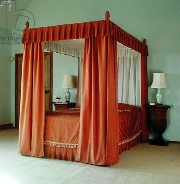 The four poster bed in Lady Churchill's Bedroom (photo)