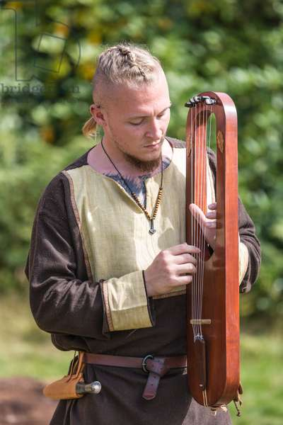 Anglo-saxon lyre player at Sutton Hoo, Suffolk (photo)