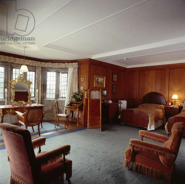 Mrs Drewe's Bedroom, Castle Drogo, Devon, built 1911-30 (photo)