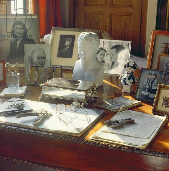 Winston Churchill's desk, in the Study (photo)
