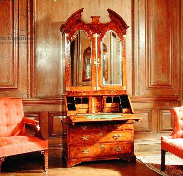 A Queen Anne 'oyster' veneer bureau in the Drawing Room (photo)