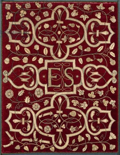 Textile with the monogram 'ES' of Elizabeth Shrewsbury (embroidered velvet)