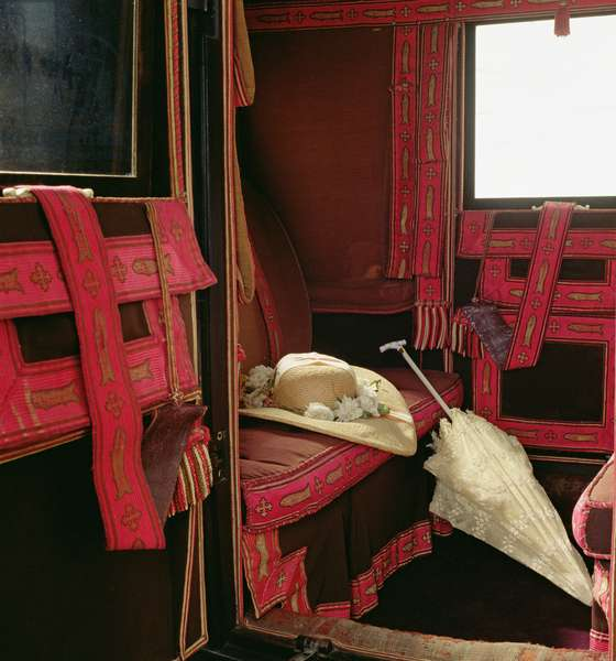 Interior of the Lucy Travelling Coach, built by Wyburn & Meller, c.1840 (photo)