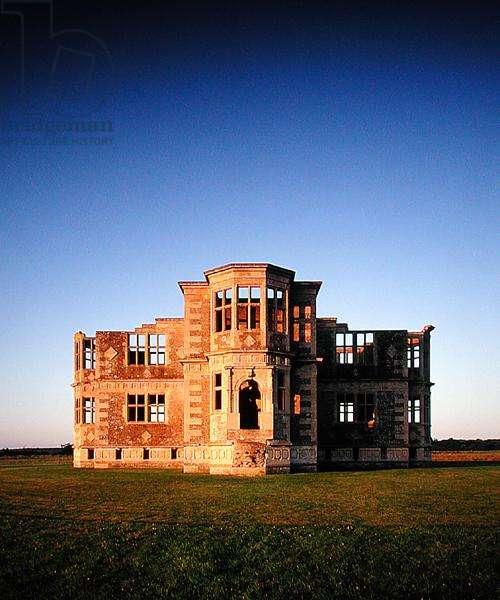 The north facade (photo)