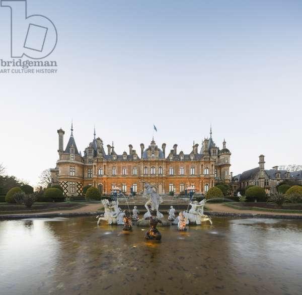 Garden front of Waddesdon Manor (photo)