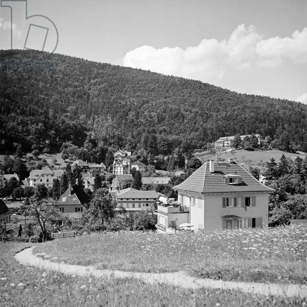 Scenic view to houses near a small town, Germany 1930s (b/w photo)