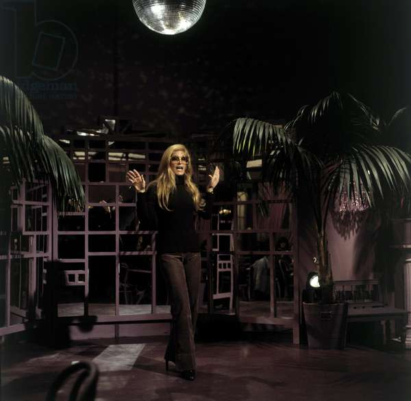 DALIDA (German TV Performance 'Liedercircus' 1977)