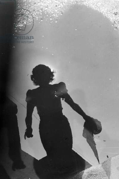 Shadow of a young woman, Germany 1930s (b/w photo)