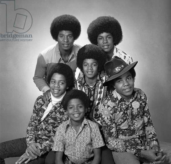 Le groupe de soul americain THE JACKSON FIVE : Jackie, Tito, Jermaine, Marlon, et Michael Jackson . Photographie dans les annees 1970 .