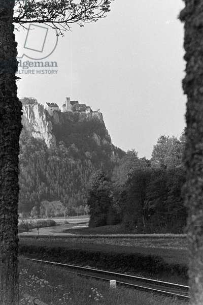 Idyllic panoramic view of the Black Forest with railways leading through the valley, Germany 1930s (b/w photo)
