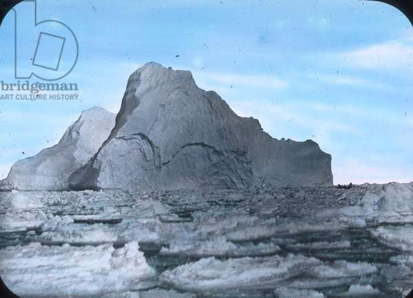 The maiden voyage of the Titanic 1912 - Titanic disaster - Iceberg - North Atlantic, Carl Simon, hand coloured glass slide