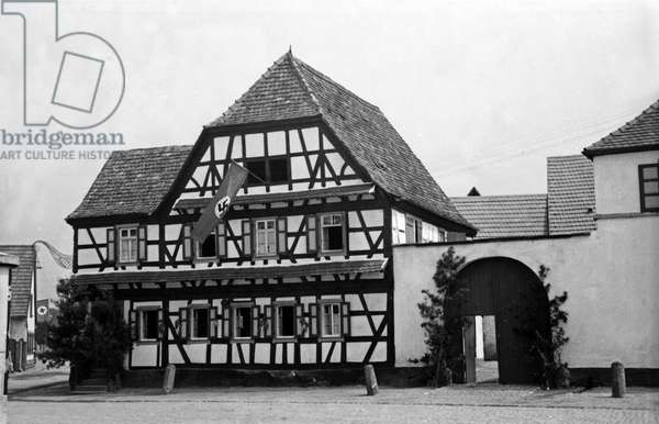 The Frankenthaler Brauhaus brewery restaurant waiting for guests of the annual radish fair at Schifferstadt, Germany 1930s (b/w photo)