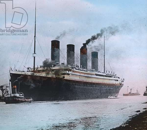 The maiden voyage of the Titanic 1912 - Titanic in Southhampton - Carl Simon, hand coloured glass slide