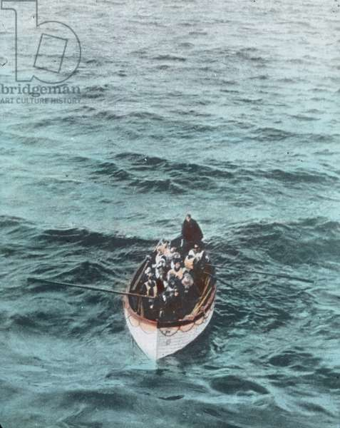 The maiden voyage of the Titanic 1912, Titanic disaster - The sinking of the Titanic - lifeboat with shipwrecked people - photo taken from Carpathia Liner, hand coloured glass slide - Carl Simon, history, historical