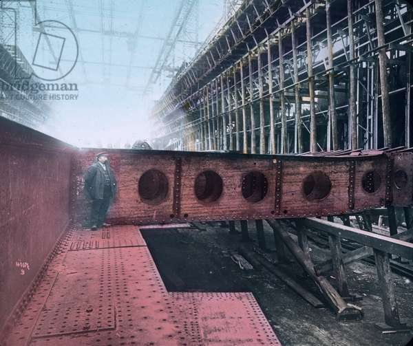 The maiden voyage of the Titanic 1912, shipyard of the Titanic, history, historical, Carl Simon, hand coloured glass slide