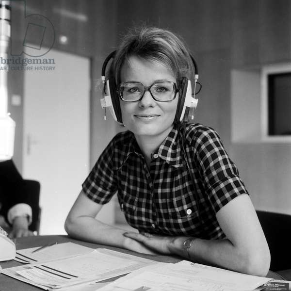 German journalist and author Wibke Bruhns at a radio studio, end 1960s
