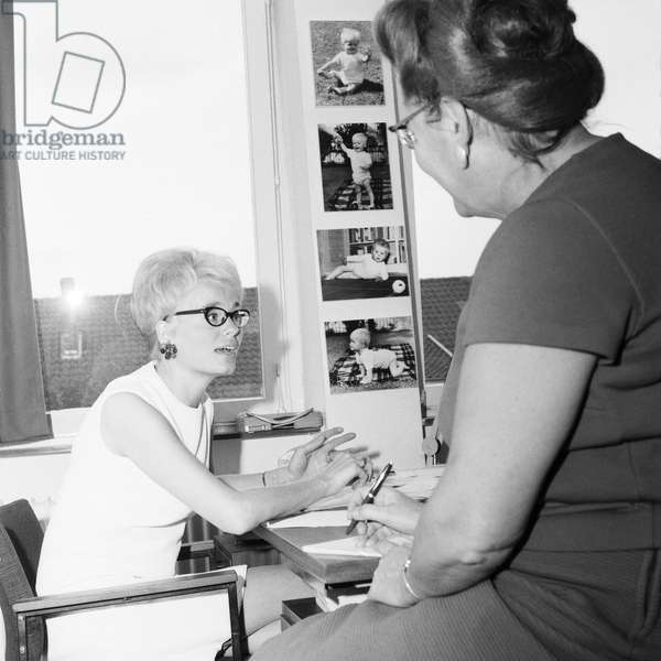 German journalist and author Wibke Bruhns at the editorial office of TV magazone FunkUhr, Deutschland 1960s