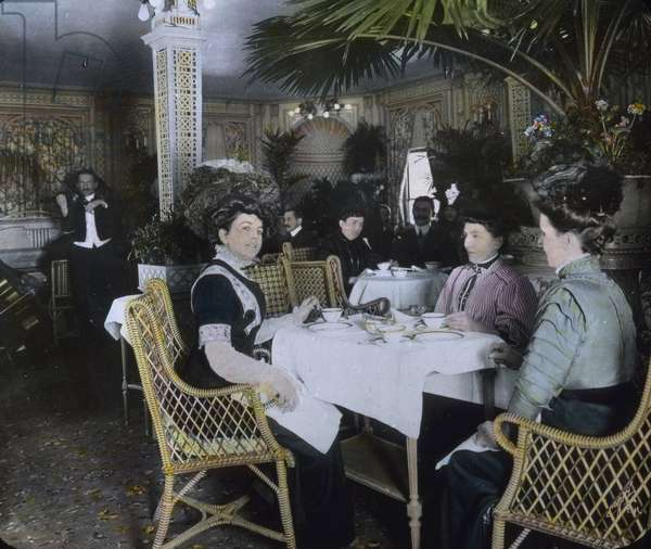 The maiden voyage of the Titanic 1912 - Titanic disaster - Tea time on board for first class passengers - Carl Simon, hand coloured glass slide