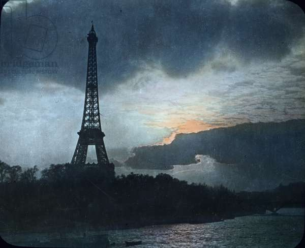 travel, trip, journey, round, world, Trip around the world, 1920s, 20th century, Archive, Carl Simon, history, historical, France, Paris, Eiffel tower,Tour Eiffel, river, Seine, evening, romantic, mood, silhouette, hand coloured glass slide