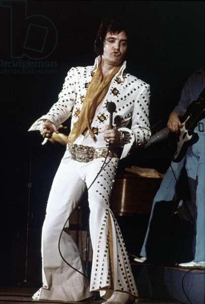 ELVIS PRESLEY on stage (1974)