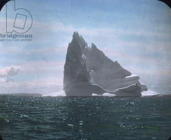 The maiden voyage of the Titanic 1912, Titanic disaster - Iceberg, North Atlantic - Carl Simon, hand coloured glass slide