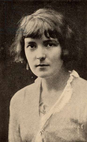 Katherine Mansfield, pen name of Katherine Mansfield Beauchamp (1888-1923) short story writer born in Wellington, New Zealand. Mansfield in 1914. In 1918 she married the English writer and critic John Middleton Murry. Halftone after a photograph.