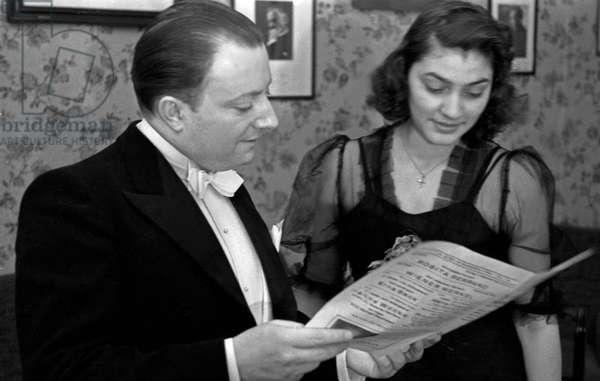 Chilean singer Rosita Serrano with composer Peter Kreuder at Berlin, Germany 1930s (b/w photo)